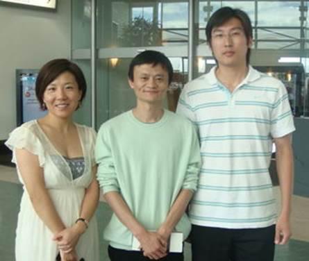 马云先生与新西兰中旅总经理李瑞泰(左1)的合影